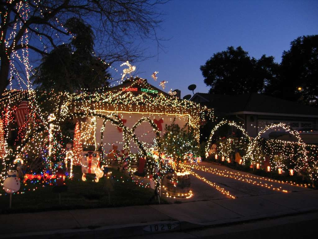 Best Christmas Lights and Holiday Displays in San Jose, Santa Clara ...