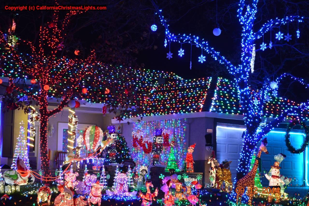 Christmas Lights Holiday Display At 1484 Kingswood Dr