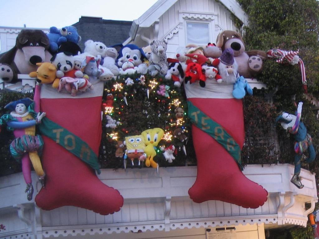 Christmas Lights Holiday Display At 3650 21st St San
